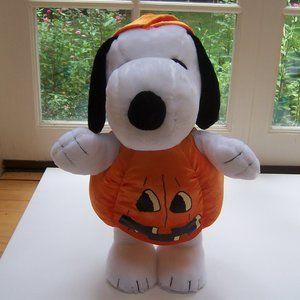 "PEANUTS ""Pumpkin Snoopy"" Halloween Decoration"
